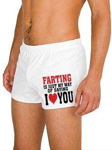 Ideas de regalos originales para tu novio: un par de calzoncillos para recordarte cuanto te quiere. ;)