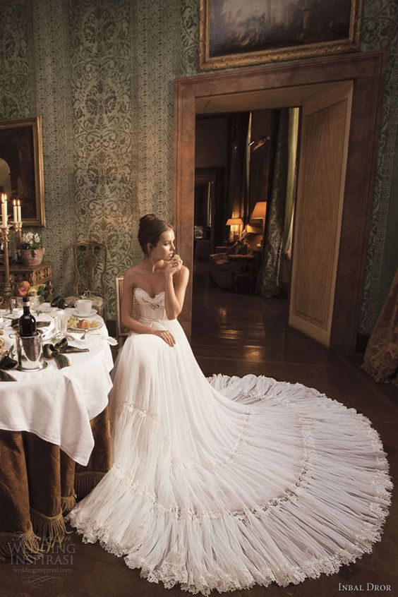 And Feminine Creation By Inbal Dror An Amazing Example Of The White Wedding Dress
