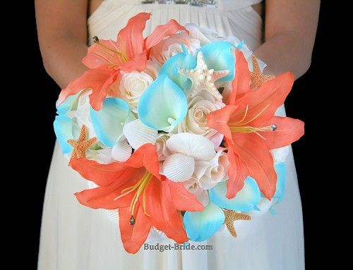 Para novias muy tropicales en coral, turquesa y blanco via budget-bride