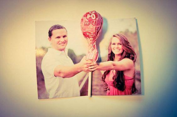 ¿Buscas souvenirs de boda por menos de $3? Estos son todavía más económicos. Imprime tu foto y agrega un lollipop.