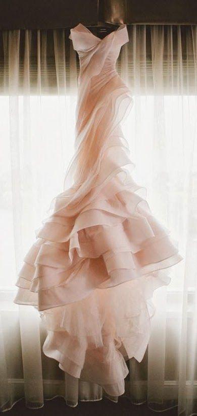 ¿Te animas a un vestido de novia en blush?