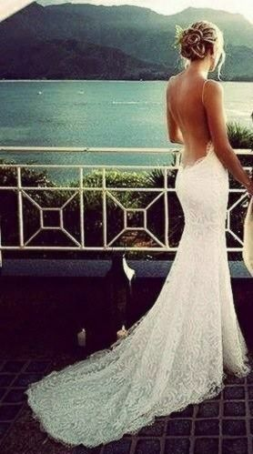 How to plan a beach themed wedding ceremony best tips for Vintage backless wedding dresses