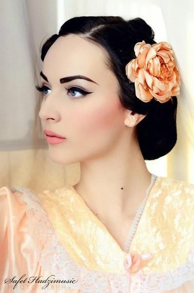 Vintage inspired bridal makeup.