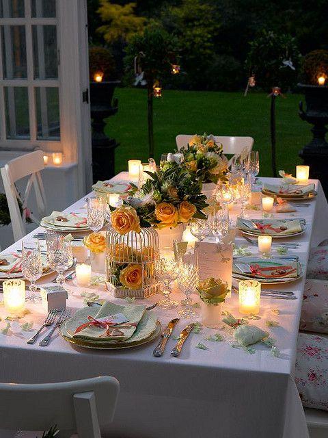 Como decorar mesas de boda en jardín. Muy alfresco.