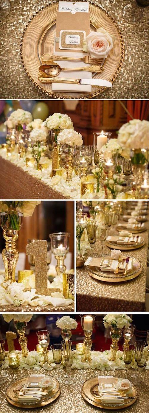 Decoración de mesas ultra glam con platos transparentes sobre charger plates en dorado. Si buscas un mantel en dorado aqui los tienes.
