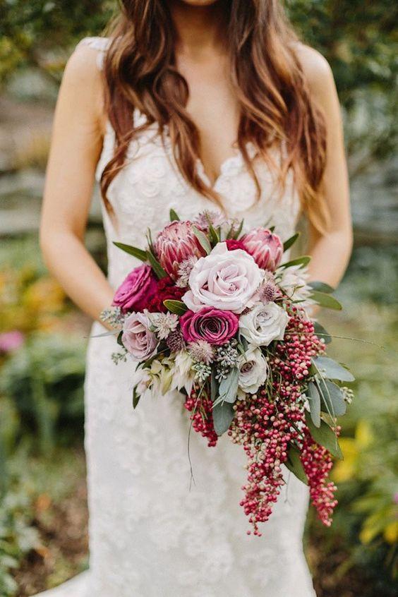 tipos de ramos de novia descubre como combinarlos con tu vestido!