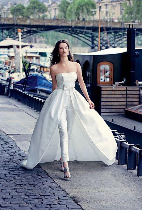 Vestidos de novia desmontable de Rosa Clará. Chic, modernos y con toda la clase. Olaf Wippenfürth Photography.