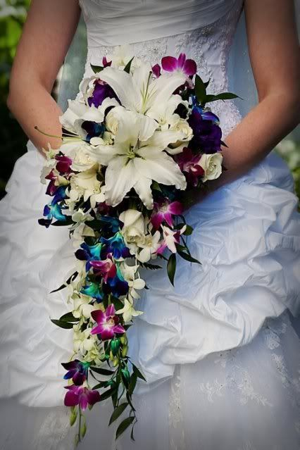 Un bouquet digno de una princesa de Disney por A Magical Day Weddings.