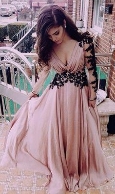 Un vestido boho en blush de Luulla Fashion.