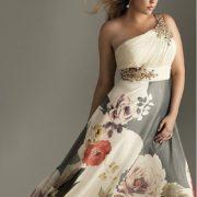 Un vestido para fiestas de noche inspirado en estilo western para invitadas gorditas