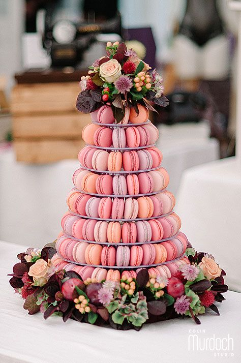 macaroons wedding cake wedding macarons 30 ways to dazzle your guests 16971