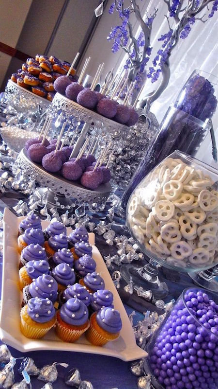Ideas for brunch weddings and their dessert tables. These sparkly celestial decorations are so awesome you'll want to leave them up all year round!