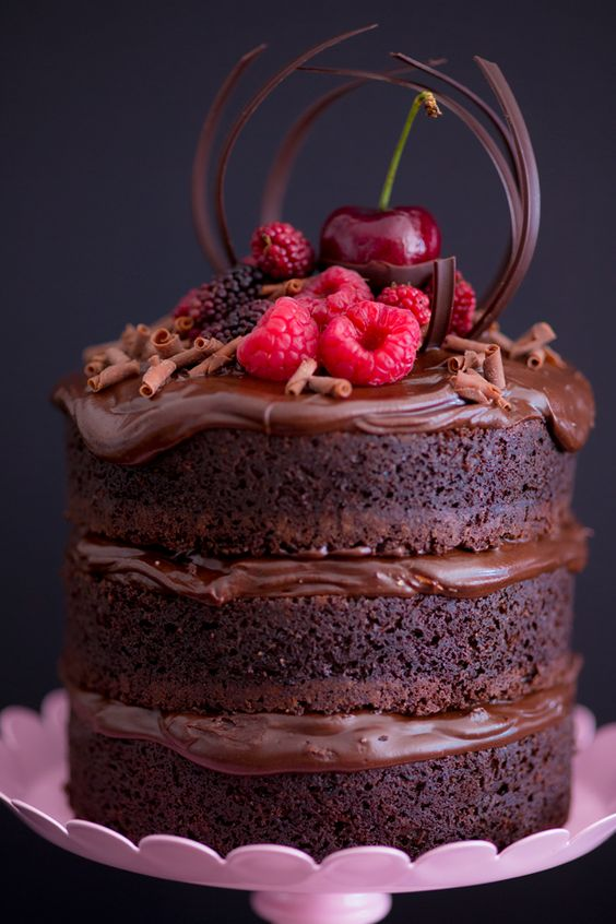Chocolate and nutella cream mini naked-cake.