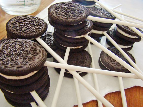 Chocolate fountain ideas: dipping food. Chocolate dipped oreos!! Woohoo!!