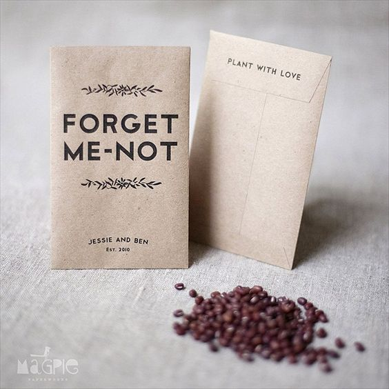 "Un DIY sencillo y original para plantar con amor. Forget me not seed favors ""Please plant these forget-me-nots to make sure this evening is not forgot. May they grow forever and flowers you will see given with love by xxxx and xxxx."