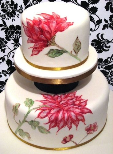 Hand-painted cake with pink flowers perfectly vintage.