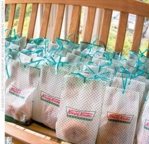 Recuerdos de boda con paso a paso de Krispy Kreme. Krispy Kreme doughnuts wedding favors.