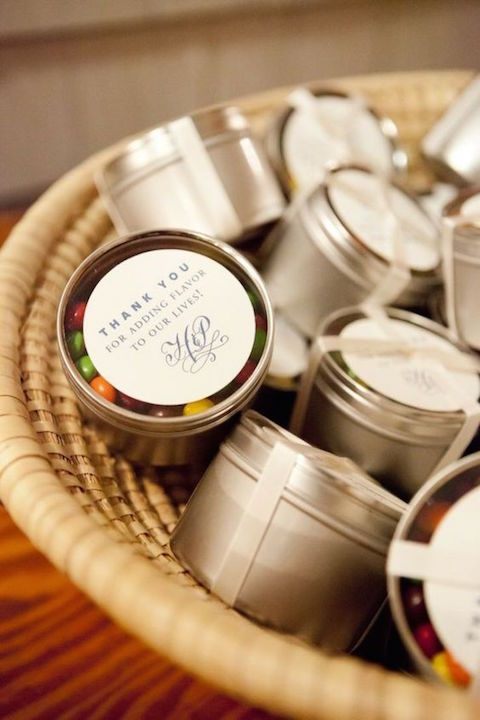Adorable wedding favor ideas in a tin can.
