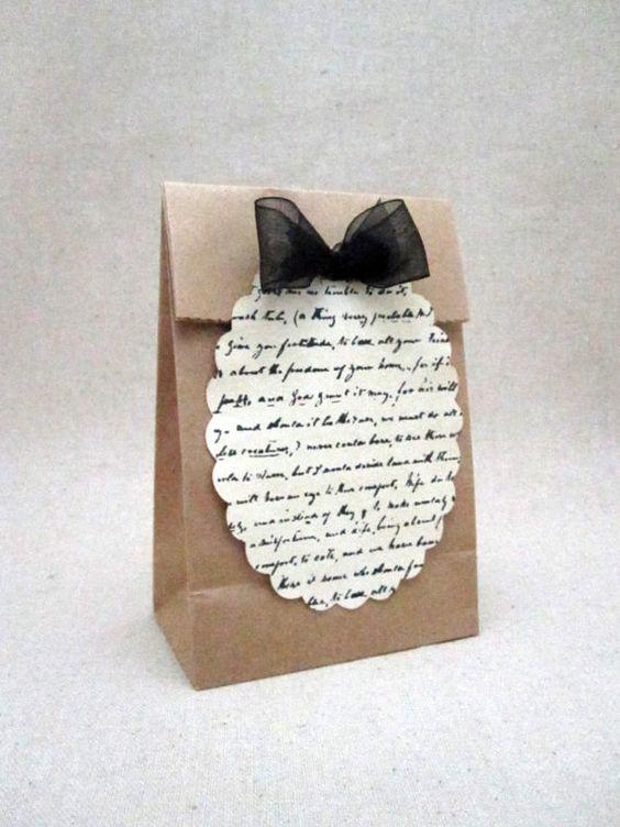 Poemas de amor en los recuerdos de boda. Te pasamos un paso a paso para hacerlos!