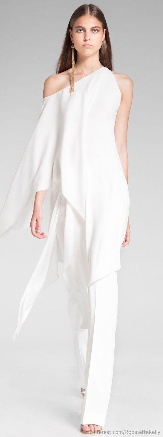 b52583bf5 ... vestidos de novias con pantalones para el civil. Haz de tu boda el  evento del año al caminar por el pasillo de la iglesia