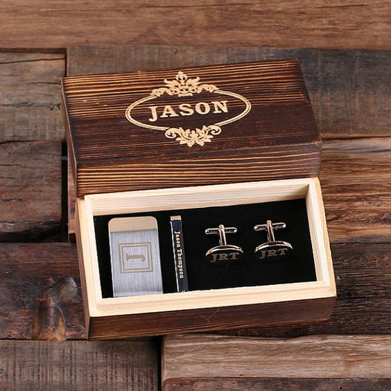 Wedding favors you'll have a tough time parting with: Gentleman's Gift Box