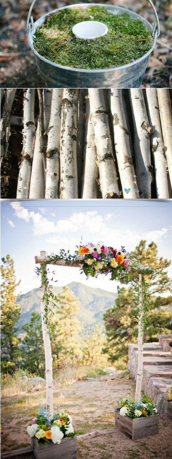 Arco de flores para boda de tres piezas con cajas via Etsy.