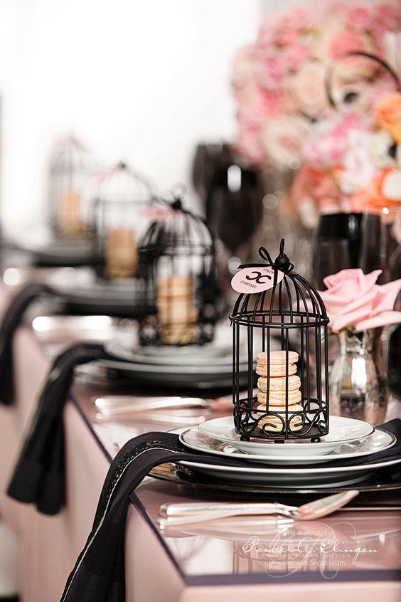 DIY de jaulas inspiradas en Coco Chanel! Sigue el paso a paso! Fotografia de 99 Sudbury. Decoración de bodas Toronto Rachel A. Clingen Wedding & Event Design.
