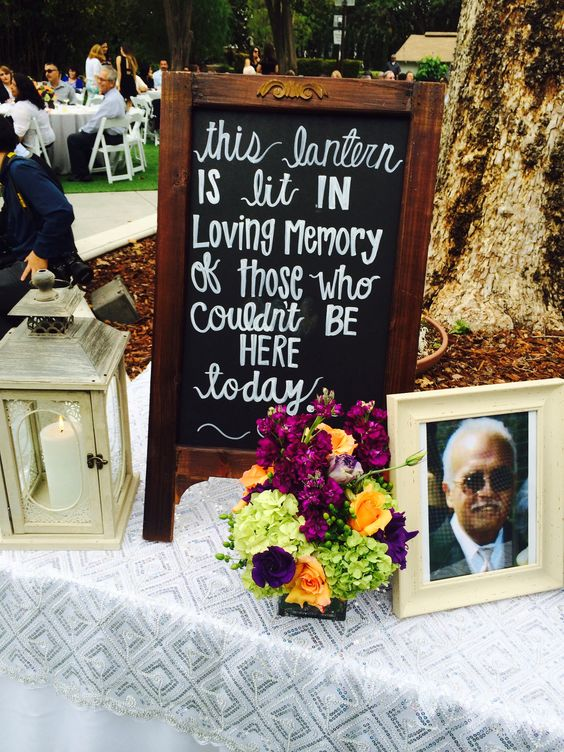 Nothing more touching to honor those who are no longer with us than a wedding memorial table.