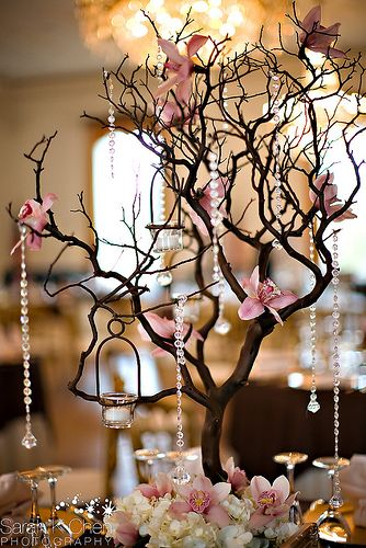 Get inspired by this centerpiece from a Richard Nixon library wedding.