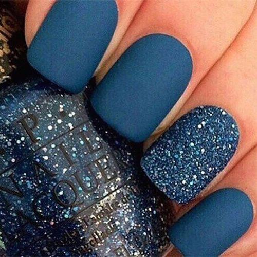 Las mejores ideas de diseño de uñas cortas en azul del 2016.
