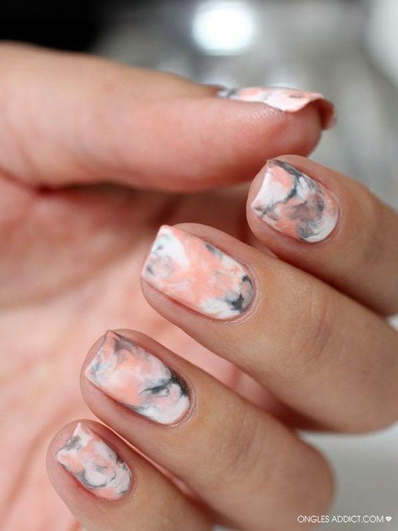 Diseños de uñas cortas marmoladas, swoon total!!