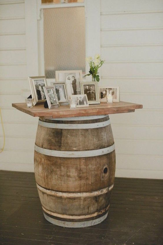Wedding memorial tables: a special place to remember those who are no longer with us.