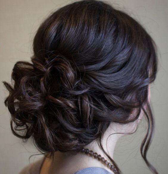 Ideas de peinados de novia vintage glam y favorecedores para que te inspires.