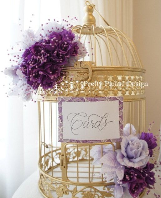 Jaula de pájaros con número de mesa. Birdcage Wedding Card Holder. Pretty in plum + purples de prettypleasedesign