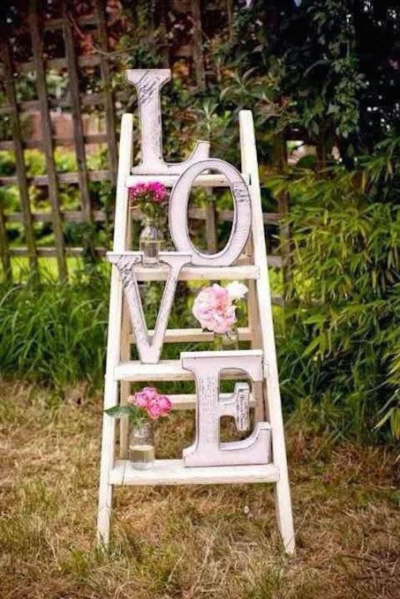 If you want to DIY your whole wedding, check out these vintage DIY ideas.