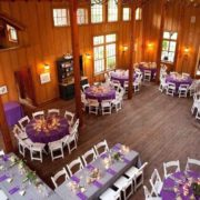 Amazing wedding reception seating layout: the head table can easily fit the whole family.