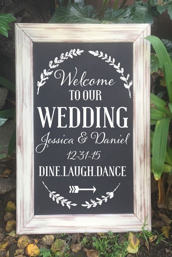 Elegant welcome wedding chalkboard sign