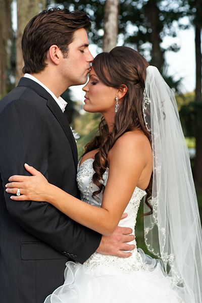 Awesome Complete Wedding Veils Guide All There Is To Know About A Bridal Veil Schematic Wiring Diagrams Amerangerunnerswayorg