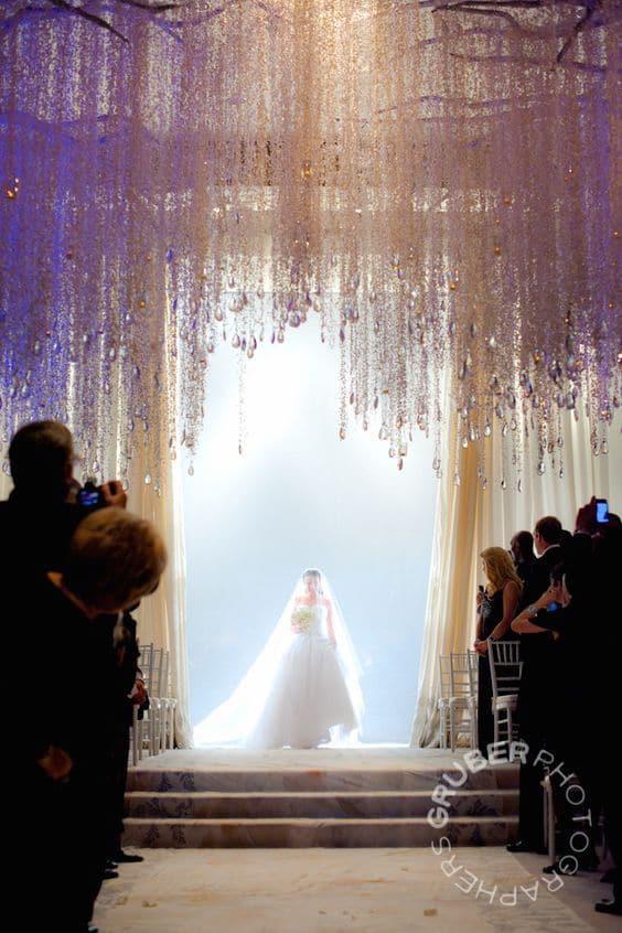 La entrada de la novia acompañada de Canon en Re Mayor de Pachelbel | Gruber Photographers.