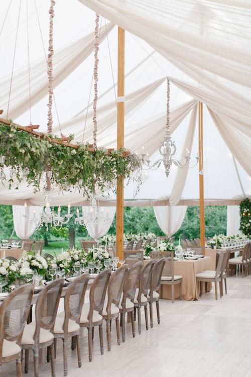 Una creación de 42 North, un espacio con inspiración italiana, completa con un conjunto impresionante de carpas para fiestas.
