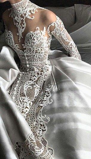 El vestido de encaje mas lindo que he visto en mucho tiempo.