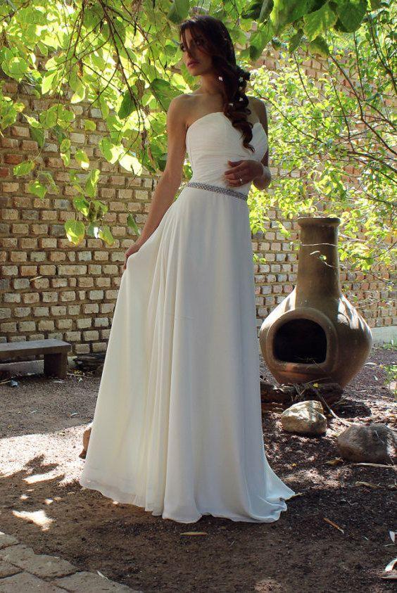Romantic chiffon wedding dress, Bohemian style. Adorable!