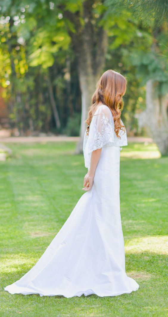 Simple boho lace wedding dress. Etsy wedding stores for the classic bride: timeless elegance!