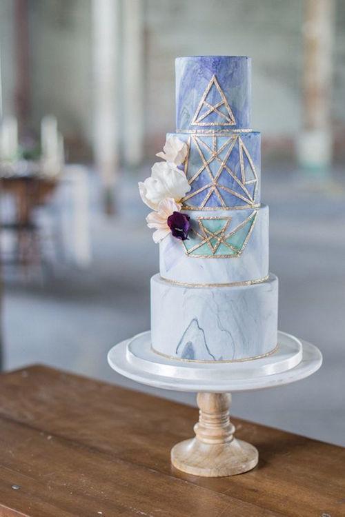 Tarta de bodas geométrica. Fotografía: Laura Kelly Photography.