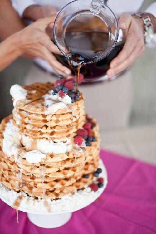 Todos hemos asistido a bodas al atardecer, por la tarde, e incluso recepciones a la medianoche. Pero, ¿has asistido alguna vez a una boda en el desayuno?