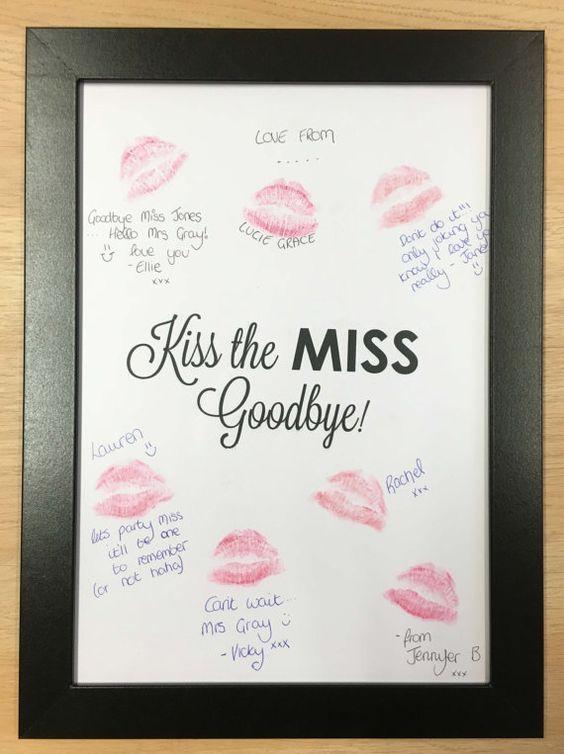 Sorprende a novia y amigas con un cuadro para besos.