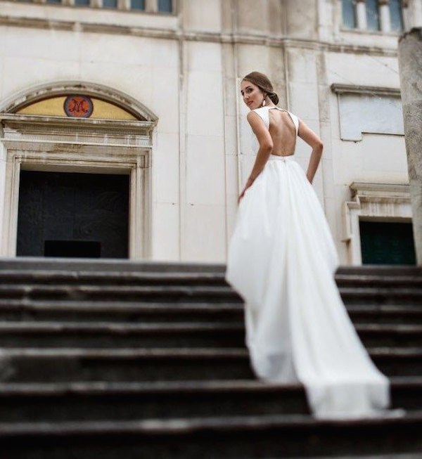 Elegant and modern boho wedding dress. Swoon!