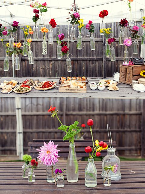 Italian garden centerpieces and decor. So festive! Photography: Amy Moss - Eat Drink Chic.