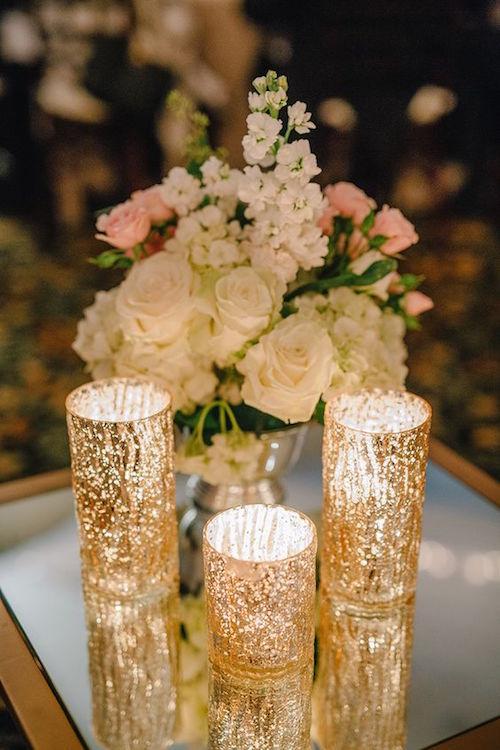 Bellas y soñadas luces iridiscentes en gris y dorado diseñadas por Chancey Charm.