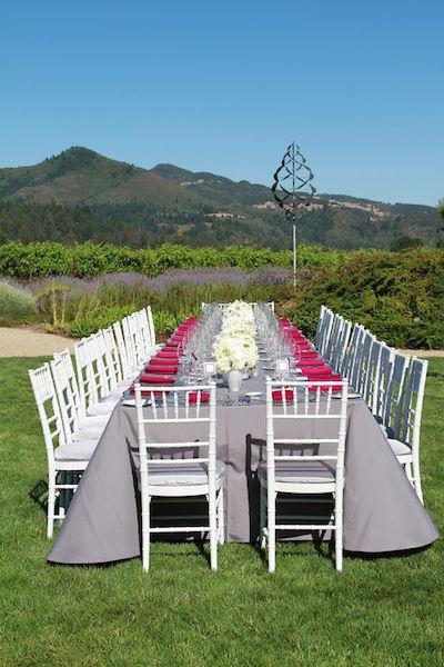 Una recepción en gris, blanco y fucsia St. Francis Winery, Sonoma. Fleurs de France.